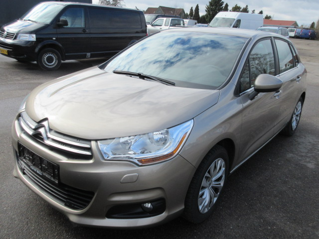 CITROEN C4 1.2 VTI SEDUCTION HK 130